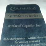 Eticheta gravata pentru sticla de sampanie