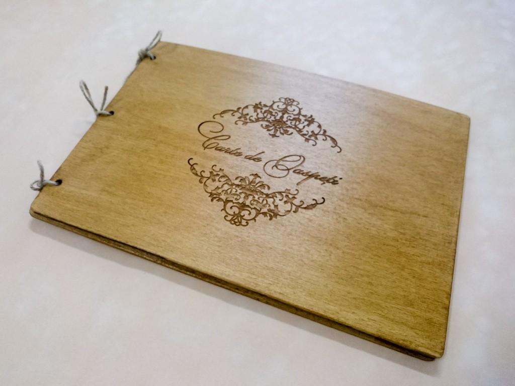 Meniu din lemn