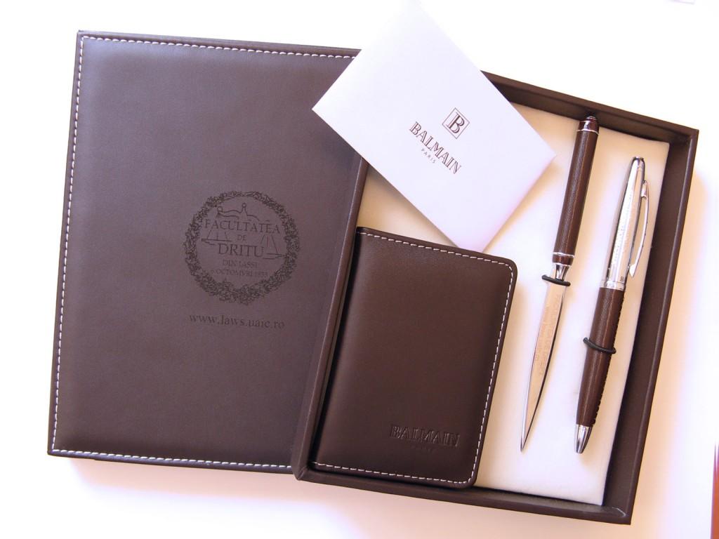 Set instrumente de scris Balmain personalizat